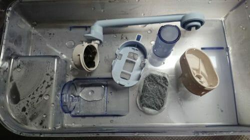 三菱冷蔵庫MR-B46Dの給水タンクのお手入れ-給水パイプや給水ポンプを分解しました