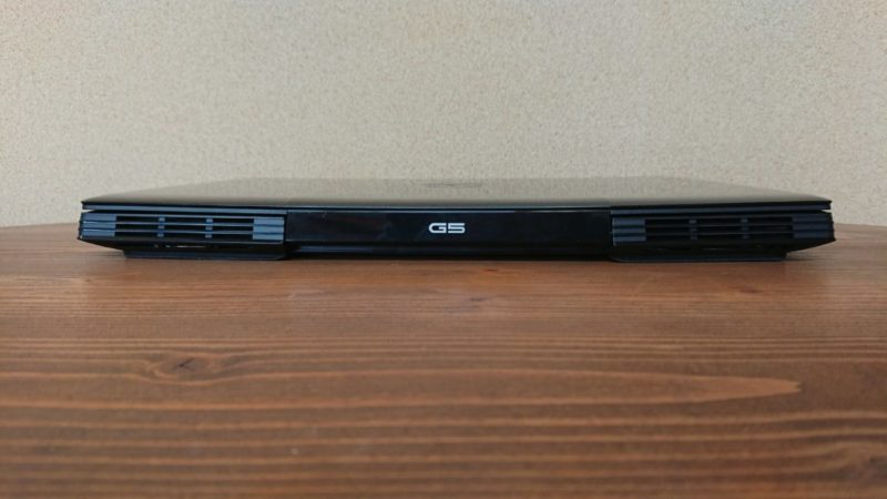 DELL G5 15 Gaming背面