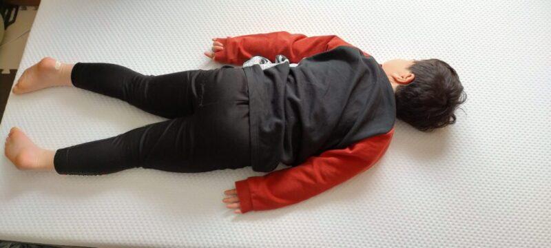 エマ・スリープで子供が寝る